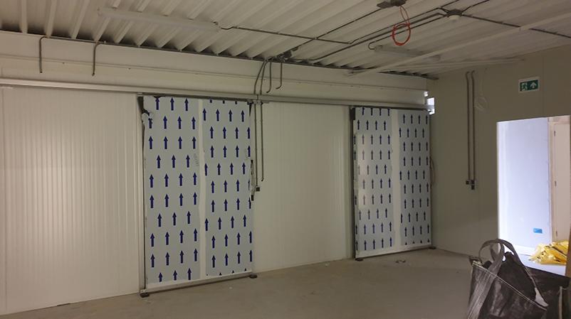 Bouw deuren van de kweekcellen worden geplaatst EntoBreed